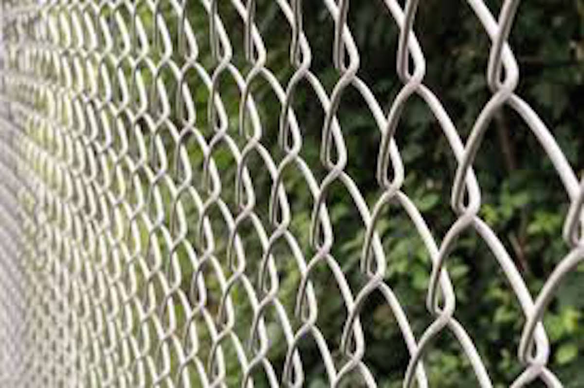 Best-fence-installation-contractor-in-Cape-Coral