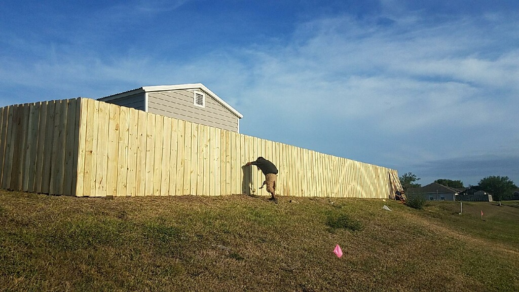 top rated fencing contractor Cape Coral Florida