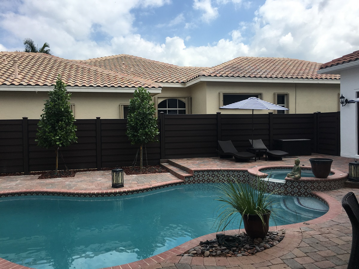 fence-installation-contractor-Cape-Coral-Florida
